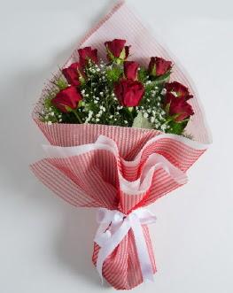 9 adet kırmızı gülden buket  Muğla uluslararası çiçek gönderme