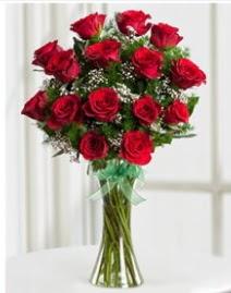 Cam vazo içerisinde 11 kırmızı gül vazosu  Muğla çiçek gönderme