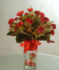 yapay güllerden vazo  9 gül  Muğla çiçek gönderme sitemiz güvenlidir