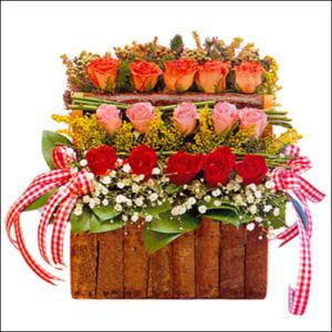 sandikta 3 kat güllerden   Muğla İnternetten çiçek siparişi