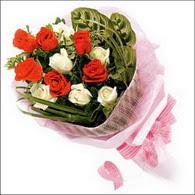 5 kirmizi 5 beyaz güllerden   Muğla online çiçekçi , çiçek siparişi