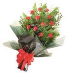 12 adet kirmizi gül buketi   Muğla çiçek online çiçek siparişi
