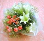 Muğla online çiçek gönderme sipariş  lilyum ve 7 adet gül buket