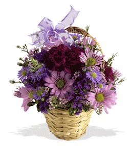 Muğla çiçek gönderme sitemiz güvenlidir  sepet içerisinde krizantem çiçekleri