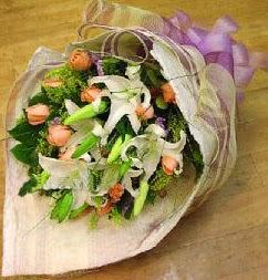 Muğla çiçek mağazası , çiçekçi adresleri  11 ADET GÜL VE 1 ADET KAZABLANKA