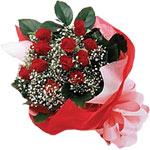 Muğla çiçek mağazası , çiçekçi adresleri  KIRMIZI AMBALAJ BUKETINDE 12 ADET GÜL