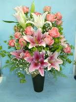 Muğla çiçek mağazası , çiçekçi adresleri  cam vazo içerisinde 21 gül 1 kazablanka