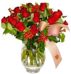 Muğla çiçek online çiçek siparişi  11 adet kirmizi gül  cam aranjman halinde