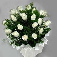 Muğla hediye sevgilime hediye çiçek  11 adet beyaz gül buketi ve bembeyaz amnbalaj