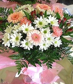 Muğla hediye sevgilime hediye çiçek  karma büyük ve gösterisli mevsim demeti