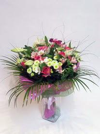 Muğla hediye sevgilime hediye çiçek  karisik mevsim buketi mevsime göre hazirlanir.