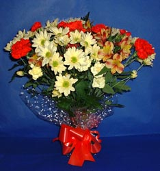 Muğla hediye sevgilime hediye çiçek  kir çiçekleri buketi mevsim demeti halinde