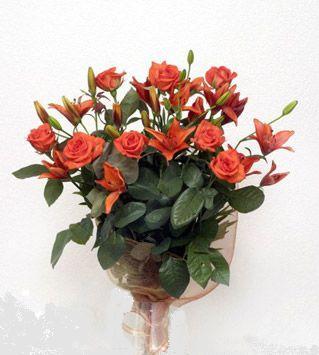9 adet gül ve 3 adet lilyum çiçegi buketi   Muğla çiçek yolla , çiçek gönder , çiçekçi