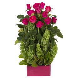 12 adet kirmizi gül aranjmani  Muğla ucuz çiçek gönder