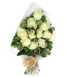 Muğla internetten çiçek satışı  12 li beyaz gül buketi.