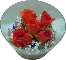 Muğla çiçek yolla  5 adet gül ve cam tanzimde çiçekler