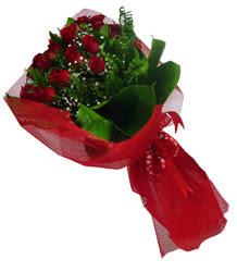 Muğla çiçek siparişi vermek  10 adet kirmizi gül demeti