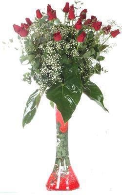 Muğla çiçek gönderme sitemiz güvenlidir  19 ADET GÜL VE FIL CAM AYAGI