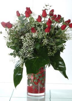 Muğla çiçekçi mağazası  11 adet kirmizi gül ve cam yada mika vazo tanzim