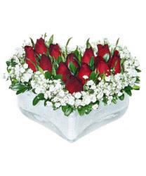 Muğla güvenli kaliteli hızlı çiçek  mika kalp içerisinde 9 adet kirmizi gül