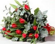 Muğla uluslararası çiçek gönderme  11 adet kirmizi gül buketi özel günler için