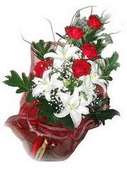 Muğla hediye çiçek yolla  5 adet kirmizi gül 1 adet kazablanka çiçegi buketi