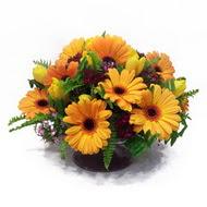gerbera ve kir çiçek masa aranjmani  Muğla yurtiçi ve yurtdışı çiçek siparişi