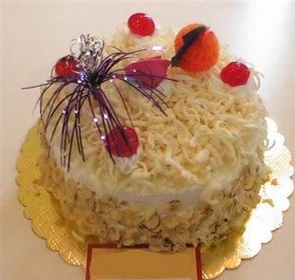 pasta siparisi 4 ile 6 kisilik yaspasta mis lezzette  Muğla cicekciler , cicek siparisi
