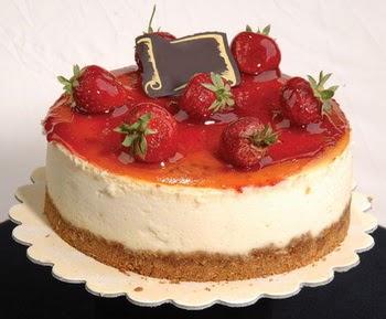 online pastaci 4 ile 6 kisilik yas pasta çilekli  Muğla çiçek servisi , çiçekçi adresleri