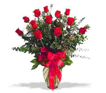 çiçek siparisi 11 adet kirmizi gül cam vazo  Muğla online çiçekçi , çiçek siparişi