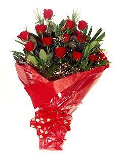 12 adet kirmizi gül buketi  Muğla kaliteli taze ve ucuz çiçekler