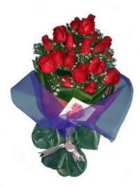 12 adet kirmizi gül buketi  Muğla online çiçekçi , çiçek siparişi