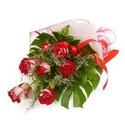 Çiçek gönder 9 adet kirmizi gül buketi  Muğla yurtiçi ve yurtdışı çiçek siparişi