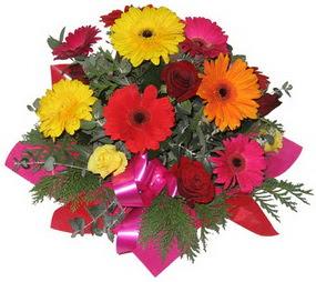 Karisik mevsim çiçeklerinden buket  Muğla çiçekçi telefonları