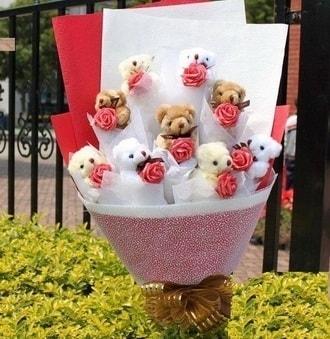 Muğla yurtiçi ve yurtdışı çiçek siparişi  9 adet ayicik ve 9 adet yapay gül