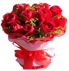 9 adet kirmizi güllerden kipkirmizi buket  Muğla kaliteli taze ve ucuz çiçekler