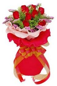 Muğla İnternetten çiçek siparişi  8 Adet kirmizi güllerden buket tanzimi