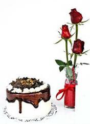 Muğla yurtiçi ve yurtdışı çiçek siparişi  vazoda 3 adet kirmizi gül ve yaspasta