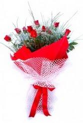 Muğla internetten çiçek siparişi  9 adet kirmizi gül buketi demeti