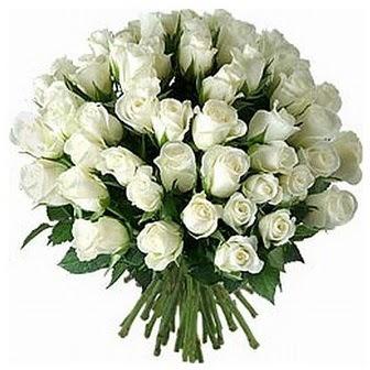 Muğla çiçek , çiçekçi , çiçekçilik  33 adet beyaz gül buketi