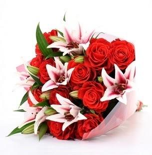 Muğla yurtiçi ve yurtdışı çiçek siparişi  3 dal kazablanka ve 11 adet kırmızı gül