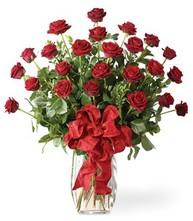 Sevgilime sıradışı hediye güller 24 gül  Muğla çiçek yolla