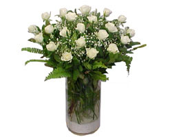 Muğla çiçek siparişi sitesi  cam yada mika Vazoda 12 adet beyaz gül - sevenler için ideal seçim