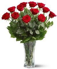11 adet kırmızı gül vazoda  Muğla güvenli kaliteli hızlı çiçek