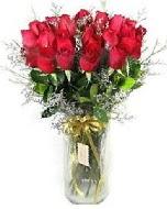 27 adet vazo içerisinde kırmızı gül  Muğla internetten çiçek siparişi