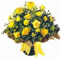 Muğla 14 şubat sevgililer günü çiçek  Sari gül karanfil ve kir çiçekleri