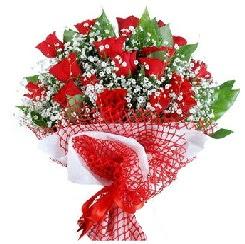 11 kırmızı gülden buket  Muğla çiçek yolla