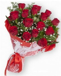 11 kırmızı gülden buket  Muğla çiçekçi mağazası