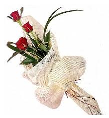 3 adet kırmızı gül buketi  Muğla çiçekçi mağazası