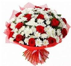 11 adet kırmızı gül ve 1 demet krizantem  Muğla ucuz çiçek gönder